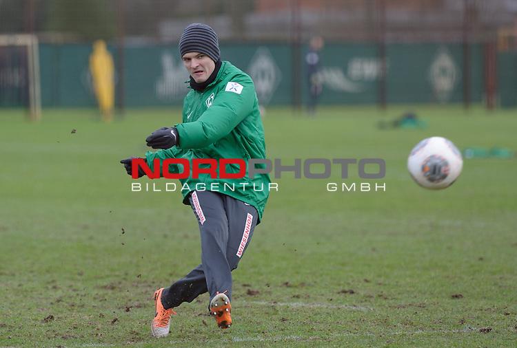 10.02.2014, Trainingsgelaende, Bremen, GER, 1.FBL, Training Werder Bremen, im Bild Aleksandar Ignjovski (Bremen #17)<br /> <br /> Foto &copy; nordphoto / Frisch
