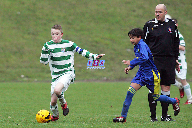 CORINTHIAN v GURU NANAK<br /> KENT YOUTH LEAGUE U15 CENTRAL GAY DAWN FARM SUNDAY 4TH DECEMBER 2011
