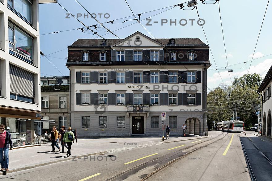 Interview mit Dr. Adrian Kuenzi, CEO der Privatbank Notenstein am 28. Mai 2013 im Hauptsitz in St. Gallen<br /> <br /> Copyright &copy; Zvonimir Pisonic