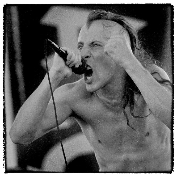 Maynard Keenan takes the main stage at Compton Terrace in Phoenix, AZ August 4, 1993