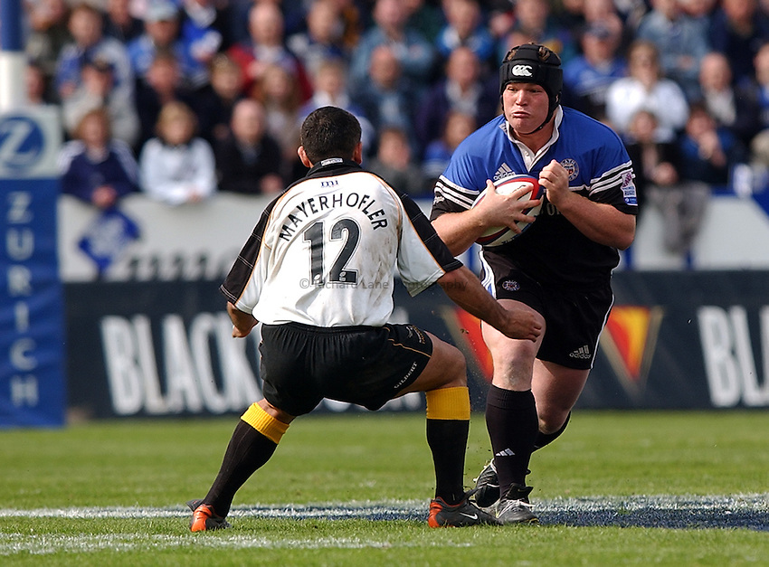 Photo: Richard Lane..Bath Rugby v Newcastle Falcons. Zurich Premiership. 10/05/2003..Matthew Stevens