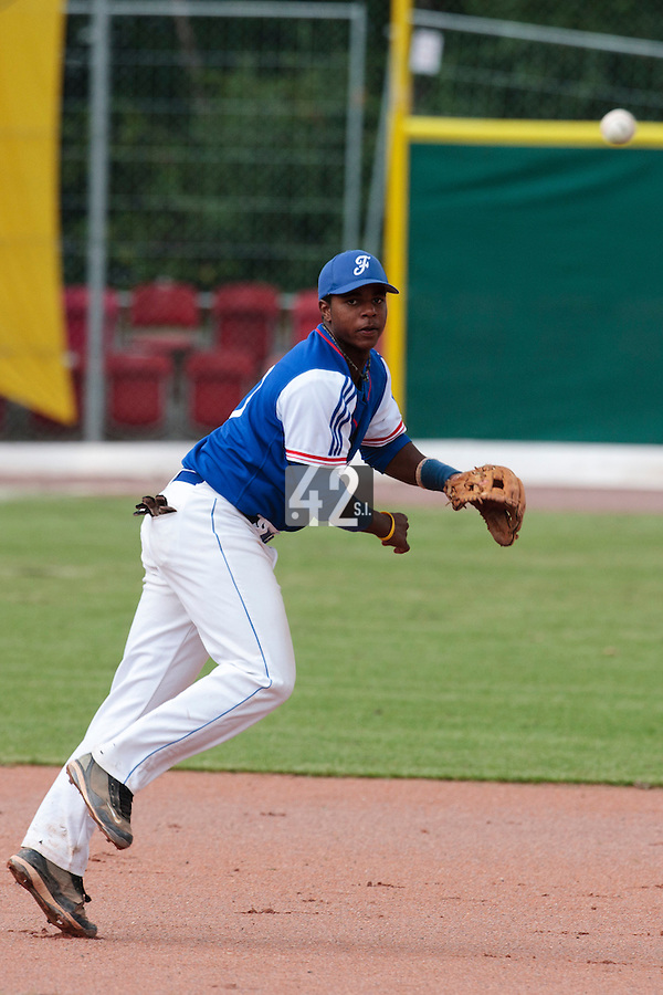 30 july 2010: Omar Williams of France throws the ball to first base during Italy 9-2 win over France, in day 6 of the 2010 European Championship Seniors, at TV Cannstatt ballpark, in Stuttgart, Germany.