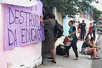 OSASCO,SP, 13.11.2015 - PROTESTO-SP - Estudantes ocupam a Escola Estadual Heloisa Assumpção em Osasco na grande São Paulo, em ato contra o fechamento de escolas e o plano de reestruturação do ensino proposto pelo governo Geraldo Alckmin (PSDB) para 2016, nesta sexta-feira (13). (Foto: Marcio Ribeiro/Brazil Photo Press)