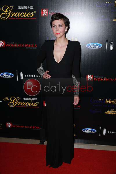 Maggie Gyllenhaal<br /> at the 40th Anniversary Gracies Awards, Beverly Hilton, Beverly Hills, CA 05-19-15<br /> David Edwards/DailyCeleb.com 818-249-4998