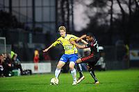 VOETBAL: LEEUWARDEN: Cambuur Stadion, 27-04-2012, SC Cambuur - Telstar, Jupiler League, Eindstand 3-1, Wout Droste (#2 Cambuur), Jerge Hoefdraad (#17 Telstar), ©foto Martin de Jong