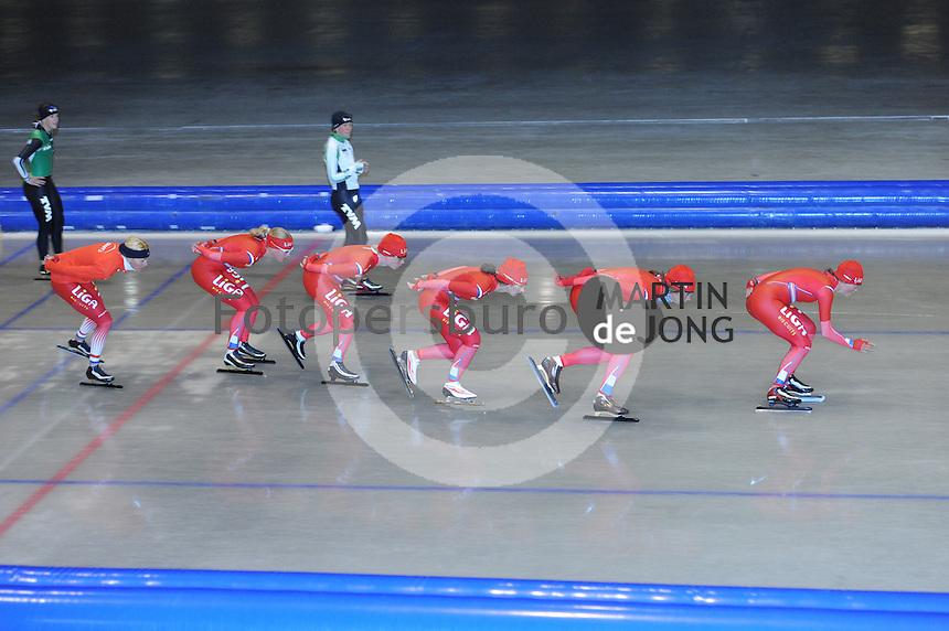 SCHAATSEN: HEERENVEEN: Thialf, 14-06-2012, Zomerijs, trainster Marianne Timmer, Yvonne Nauta, Thijsje Oenema, Mayon Kuipers, Margot Boer, Janine Smit, ©foto Martin de Jong
