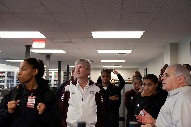 December  05, 2011 - Bristol, CT - ESPN Campus:  Texas A&M Women's Basketball team in the ESPNEWS room during their tour of ESPN..Credit: /ESPN