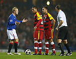 Steven Naismith appeals to the referee after penalty claim