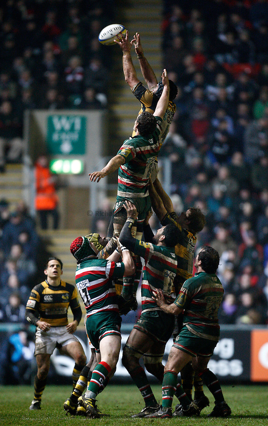 Photo: Richard Lane/Richard Lane Photography. Leicester Tigers v London Wasps. Aviva Premiership. 19/02/2011. Wasps' Marty Veale wins a lineout as Tigers' Craig Newby challenges.