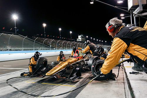 1-2 April, 2016, Avondale, Arizona USA<br /> 5 James Hinchcliffe pit stop<br /> ©2016, Sam Cobb<br /> LAT Photo USA