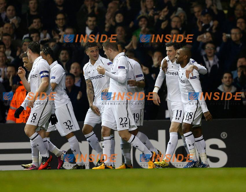Tottenham's Gareth Bale celebrates scoring his sides opening goal..Tottenham Hotspur v Inter Milan- Europa League - Last 16- White Hart Lane, London- 7/03/13 - Picture David Klein/Sportimage .Esultanza Gol Gareth Bale .Foto Insidefoto.ITALY ONLY