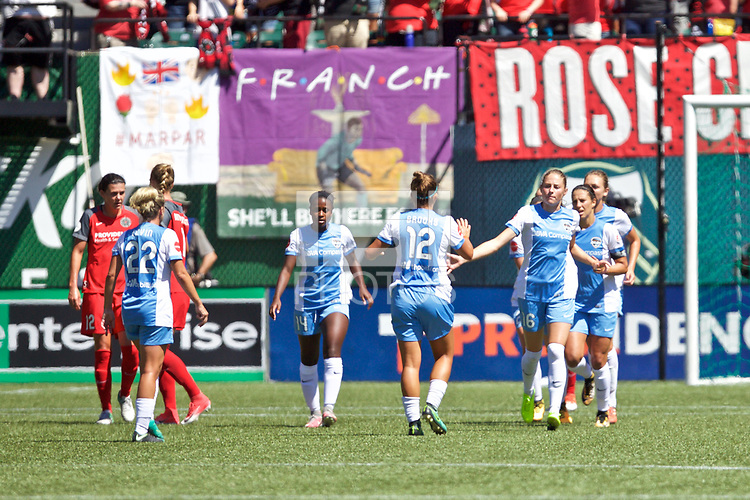 Portland, OR - Saturday August 05, 2017: Houston Dash celebrate during a regular season National Women's Soccer League (NWSL) match between the Portland Thorns FC and the Houston Dash at Providence Park.