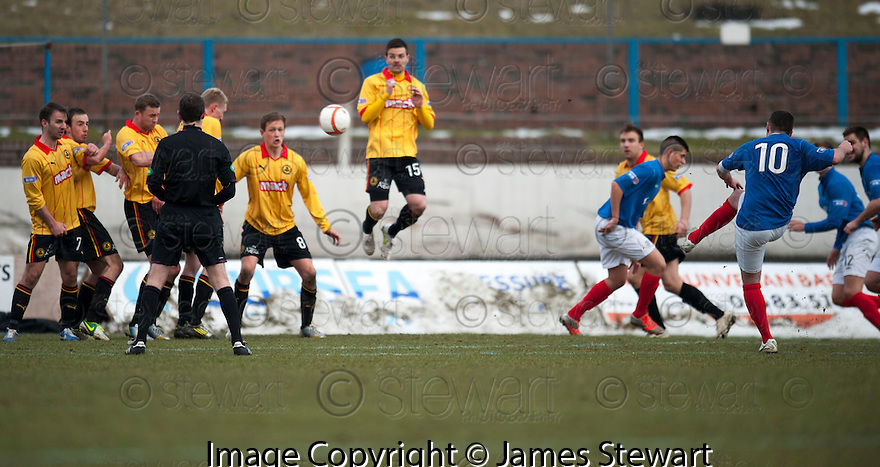 Cowdenbeath's Jamie Stevenson hits the bar in the final minute.