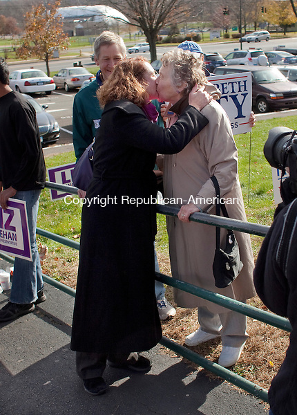 CHESHIRE, CT-6 November 2012-110612BF03-- Elizabeth Esty, Democratic candidate for the 5th Congressional District, gives her mother Mitzi Henderson from Palo Alto, CA a kiss just before entering Cheshire High School to vote Tuesday. Esty is running against Republican Andrew Roraback. .Bob Falcetti Republican-American
