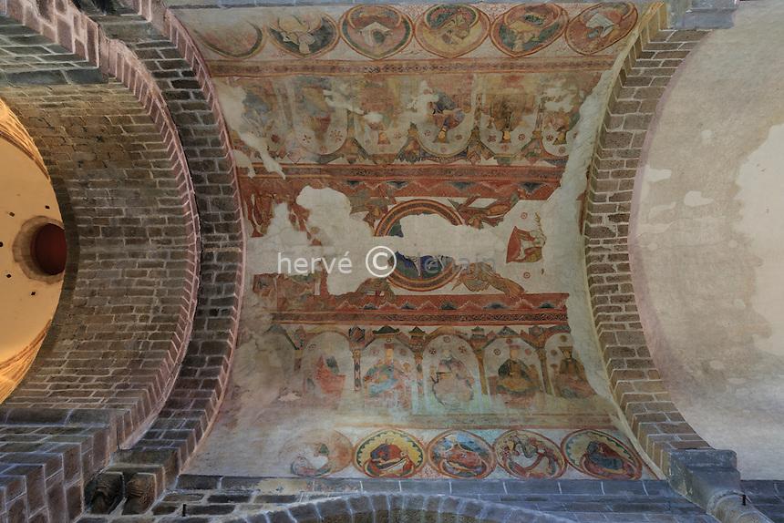France, Haute-Vienne (87), Saint-Junien, la collégiale Saint-Junien, fresques de la nef // France, Haute Vienne, Saint-Junien, collegiate church Saint Junien, frescoes in the nave