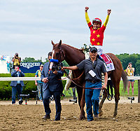 ELMONT, NY - JUNE 09: Jockey Mike Smith celebrates his win aboard #1, Justify during the 150th running of the Belmont Stakes on Belmont Stakes Day at Belmont Park on June 9, 2018 in Elmont, New York. (Photo by Eric Patterson/Eclipse Sportswire/Getty Images)