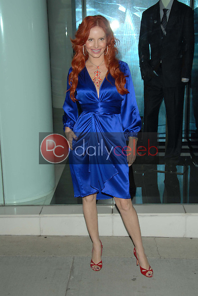 Phoebe Price<br />at the Benefit For The Prostate Cancer Foundation hosted by Giorgio Armani and Esquire Magazine. Giorgio Armani Boutique, Hollywood, CA. 09-27-06<br />Dave Edwards/DailyCeleb.com 818-249-4998