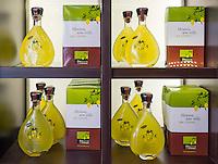 France, Provence-Alpes-Côte d'Azur, Menton: Limoncello de Menton - lemon liqueur from Menton | Frankreich, Provence-Alpes-Côte d'Azur, Menton: Limoncello de Menton - Zitronenlikoer aus Menton