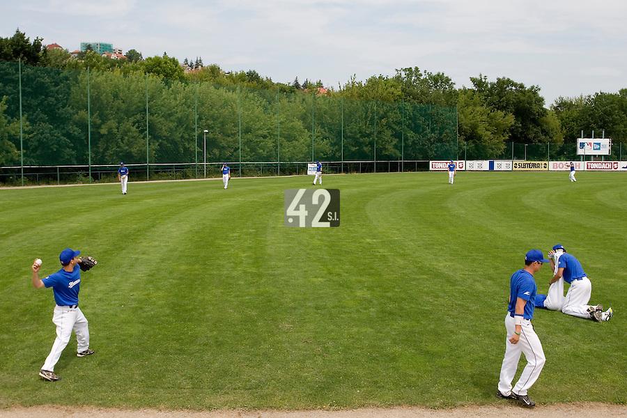 BASEBALL - GREEN ROLLER PARK - PRAGUE (CZECH REPUBLIC) - 24/06/2008 - PHOTO: CHRISTOPHE ELISE.PRACTICE  (TEAM FRANCE)