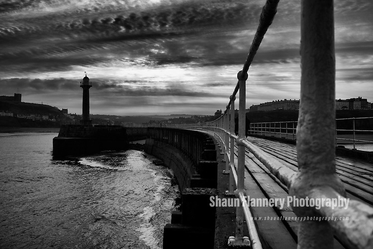Pix: Shaun Flannery/shaunflanneryphotography.com<br /> <br /> COPYRIGHT PICTURE&gt;&gt;SHAUN FLANNERY&gt;01302-570814&gt;&gt;07778315553&gt;&gt;<br /> <br /> 13th December 2015<br /> The harbour mouth in Whitby, North Yorkshire.
