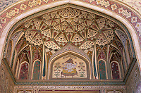 India, Rajasthan, Jaipur: Amber Fort, detail of gate painting | Indien, Rajasthan, Jaipur: Amber Fort, Detail