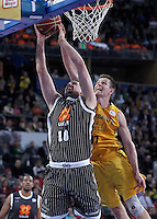 Herbalife Gran Canaria's Spencer Nelson (r) and Uxue Bilbao Basket's Adrien Moerman during Spanish Basketball King's Cup match.February 07,2013. (ALTERPHOTOS/Acero)