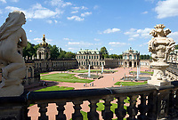 Deutschland, Freistaat Sachsen, Dresden: Zwinger, barockes Bauwerk, Kronentor und Wallpavillon | Germany, the Free State of Saxony, Dresden: Zwinger Palace, baroque building, Crown Gate and Wall Pavilion