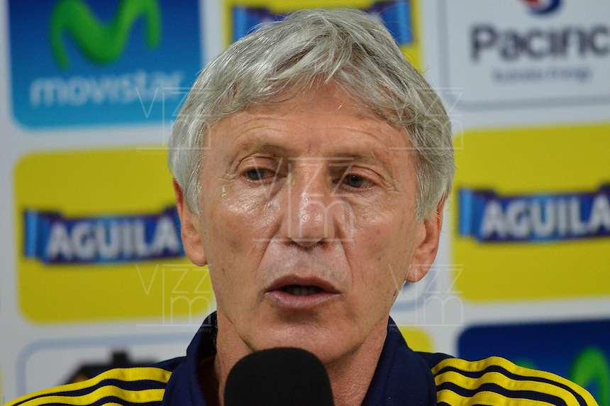 BARRANQUIILLA -COLOMBIA-05-09-2013. José Pekerman técnico del equipo Colombia durante una conferencia de prensa en Barranquilla, Colombia, septiembre 5 de 2013. Colombia prepara el próximo partido partido contra Ecuador para la calificificación a la Copa Mundo FIFA 2014 Brasil./ Jose Pekerman coach of Colombia Team during apress conference in Barranquilla, Colombia, September 5, 2013. Colombia team prepares the next game against Ecuador for the qualifier to 2014 FIFA World Cup Brazil.  Photo: VizzorImage/Alfonso Cervantes/STR