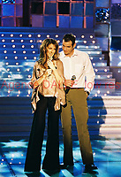 Celine DION et Garou<br /> 2002/03<br /> Photographe : Patrick Carpentier<br /> ©DALLE APRF FranceContact us for Hi Res Images - Communiquez avec nous pouer les hautes résolutions.<br /> <br /> EDITORIAL USE ONLY - USAGE EDITORIAL UNIQUEMENT