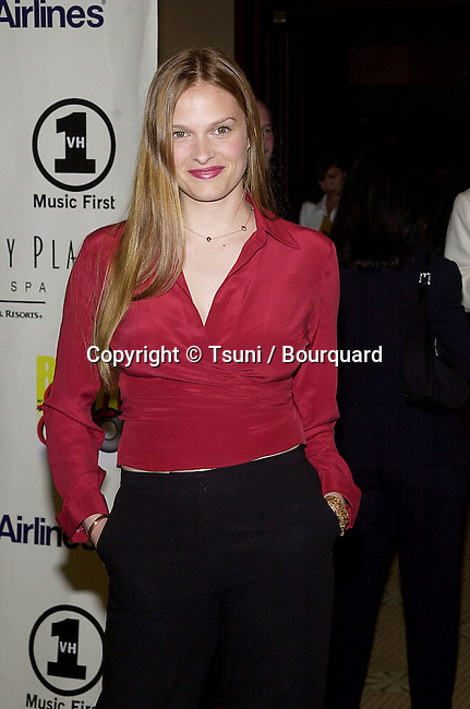 "Vanessa Shaw arriving at The 8th Annual Rock n' Soul to Erase "" MS ""  at the Century Plaza in Los Angeles  5/18/2001  © Tsuni          -            ShawVanessa05.jpg"
