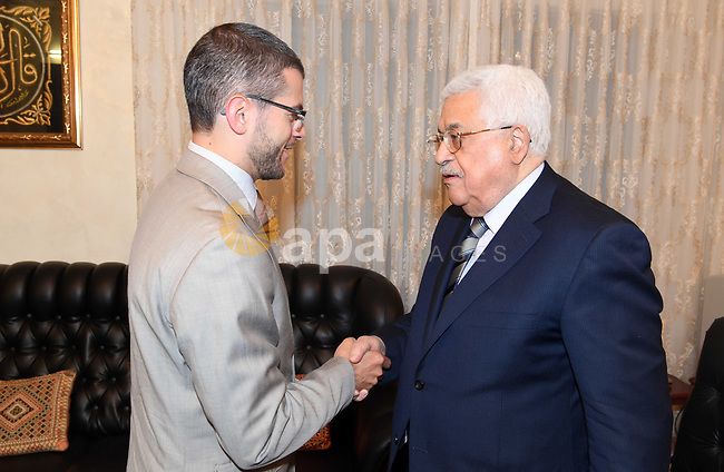 Palestinian President Mahmoud Abbas, meets with French ambassador, in Amman, Jordan, on May 10, 2017. Photo by Thaer Ganaim