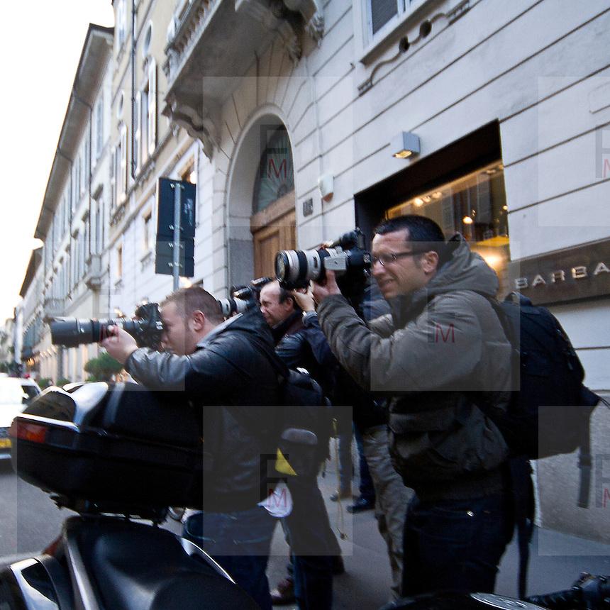 Il FuoriSalone 2010 nelle vie di centrali Milano, Via Sant'Andrea..Ilary Blasi paparazzata in via Sant'Andrea nel negozio di Chanel durante il FuoriSalone a Milano..Ilary Blasi Francesco Totti wife photographed in Sant'Andrea street during the shopping in central streets in Milan, during the International furniture show.