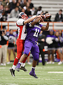 November 29, 2009:  North Tonawanda Lumberjacks vs. New Rochelle Huguenots in the NYSPHSAA Class-AA State Championship game at the Carrier Dome in Syracuse, NY.  North Tonawanda defeated New Rochelle 14-7.  Photo Copyright Mike Janes Photography 2009 - PRINTS ARE AVAILABLE AT MAXPREPS.COM