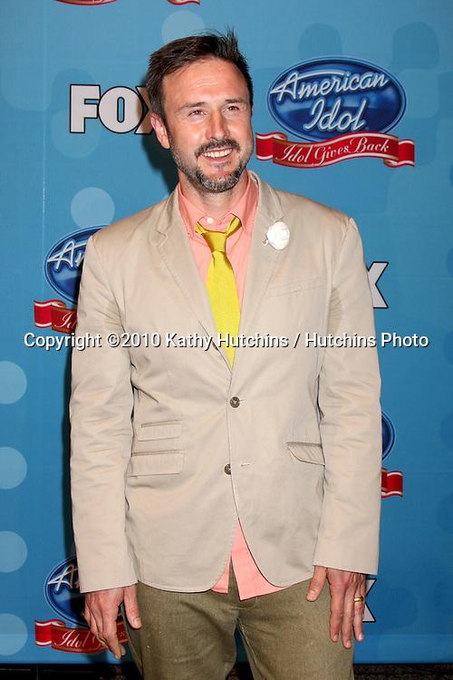"""David Arquette.in the """"Idol Gives Back"""" Press Room.Pasadena Civic Center.Pasadena, CA.April 21, 2010.©2010 Kathy Hutchins / Hutchins Photo..."""