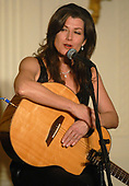 Washington, DC - February 24, 2008 -- Recording artist Amy Grant perform for United States President George W. Bush and the National Governors Association at the White House in Washington on Sunday, February 24, 2008. <br /> Credit: Kevin Dietsch - Pool via CNP