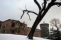 Sforza's Castle under the snow, Milan, February 5, 2012. Italy is hit by an atmospheric disturbance of Siberian origin. © Carlo Cerchioli..Castello Sforzesco sotta la neve a Milano, 5 febbraio 2012. L'Italia è colpita da una perturbazione atmosferica di origine siberiana.