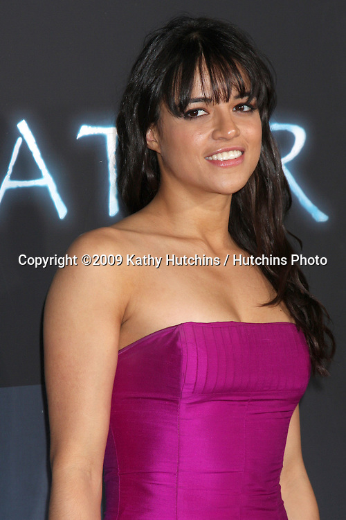 Michelle Rodriguez.arriving at the Los Angeles Premiere of Avatar.Grauman's Chinese Theater.Los Angeles,  CA.December 16, 2009.©2009 Kathy Hutchins / Hutchins Photo.