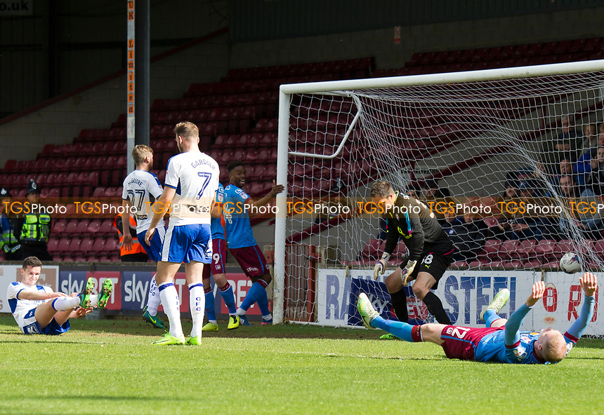 Celebrations for the opening goal during Scunthorpe United vs Chesterfield, Sky Bet EFL League 1 Football at Glanford Park on 17th April 2017