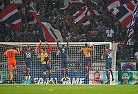 Fan<br /> PSG PARIS SAINT GERMAIN - FC BAYERN MUENCHEN  3-0<br />  , Football UEFA Champions League, Paris, 27.09.2017<br /> CL  2017/2018, FCB, <br /> <br />  *** Local Caption *** © pixathlon<br /> Contact: +49-40-22 63 02 60 , info@pixathlon.de