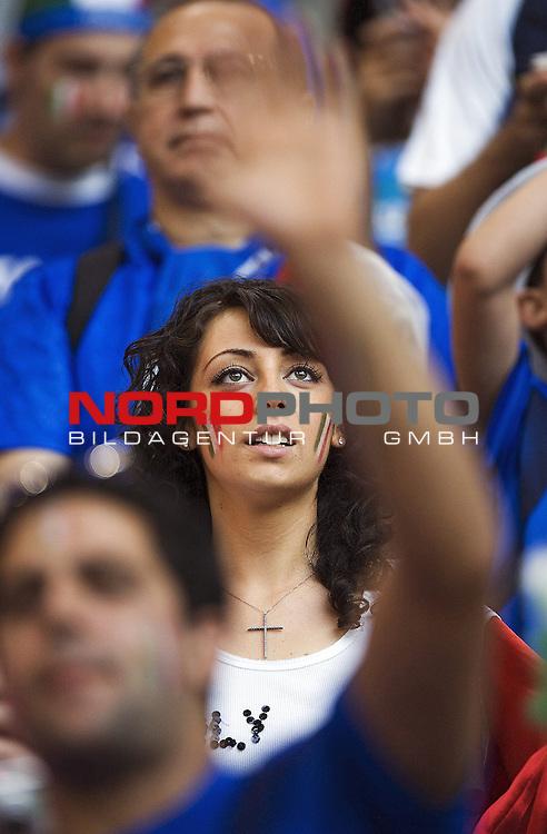 FIFA WM 2006 - Viertelfinale <br /> Play    #58 (30-Jun) - Italien - Ukraine<br /> Italian fans.<br /> <br /> <br /> Foto &copy; nordphoto