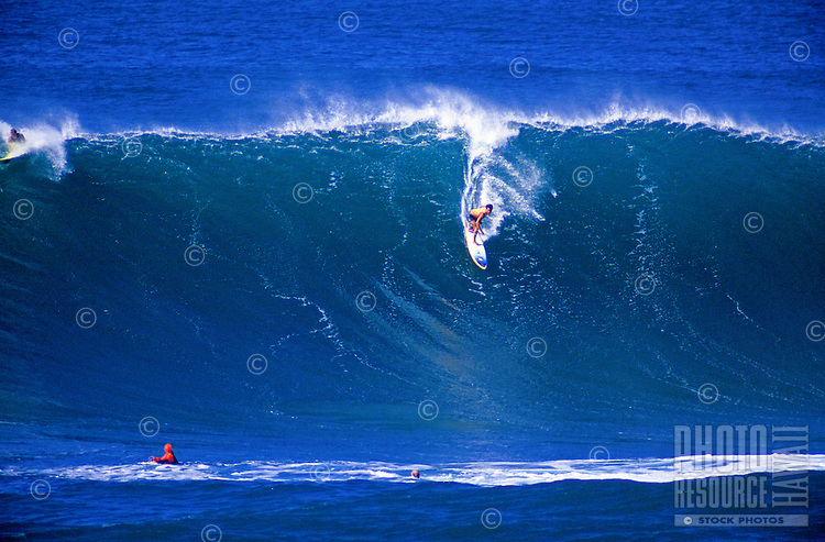 Surfing on sunset beach of north shore Oahu