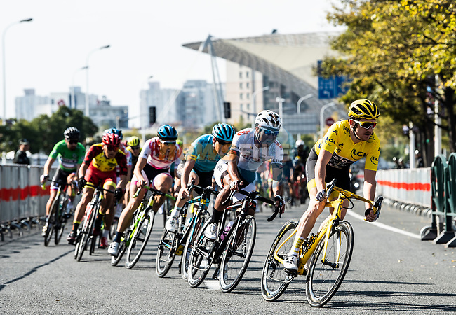 Tour de France Champion Geraint Thomas (WAL) Team Sky leads the way during the 2018 Shanghai Criterium, Shanghai, China. 17th November 2018.<br /> Picture: ASO/Alex Broadway | Cyclefile<br /> <br /> <br /> All photos usage must carry mandatory copyright credit (&copy; Cyclefile | ASO/Alex Broadway)