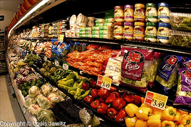 Supermarket, Vegetable, Fruit, Day, Shelf, New York City, Shopping, Color Image, Price Tag, Organic,