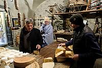 Fratelli Ciapponi, Morbegno, Monocle
