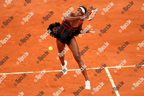 2010-05-26 / Tennis / Roland Garros 2010 / Day 4 / Venus Williams (USA) during her game against   Arantxa Parra Santonja (ESP)..Foto: mpics