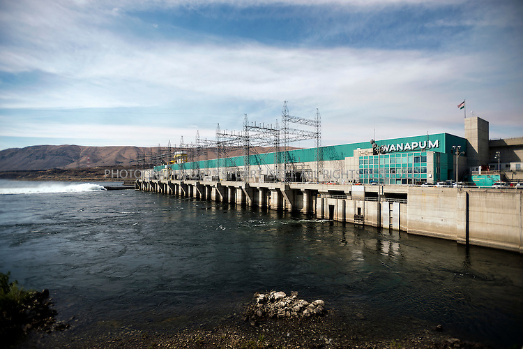 8/20/2012--Wanapum Dam, Beverly, WA..Wanapum Dam, a hydroelectric damn built in 1963 and operated by the Grant County PUD....©2012 Stuart Isett. All rights reserved.