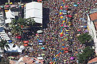 RECIFE, PE, 01.03.2014 - CARNAVAL / RECIFE / GALO DA MADRUGADA - <br /> Vista aérea do Galo da Madrugada, maior bloco de carnaval do mundo, no centro de Recife, na tarde deste sábado (01). (Foto: Vanessa Carvalho / Brazil Photo Press).