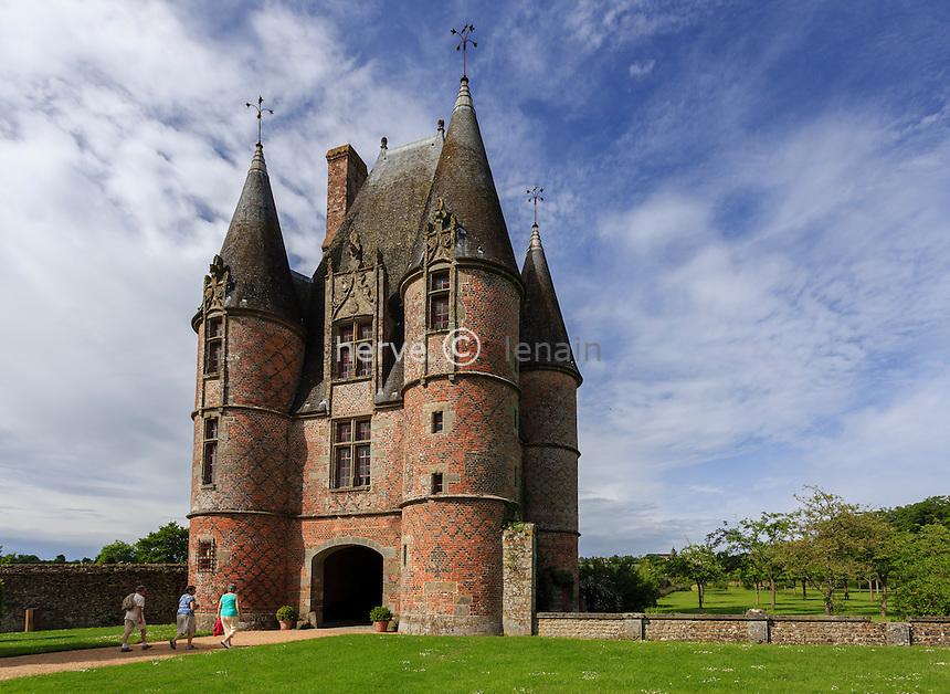 France, Orne (61), Carrouges, le château, le châtelet d'entrée // France, Orne, Carrouges, the castle, the gatehouse