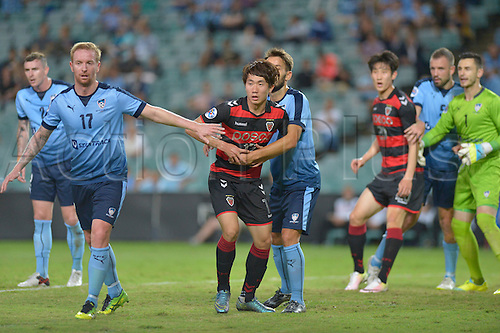 05.04.2016. Sydney Football Stadium,Sydney, Australia. AFC Champions League. Pohang midfielder Kang Sang-woo is closely marked. Sydney v Pohang Steelers.