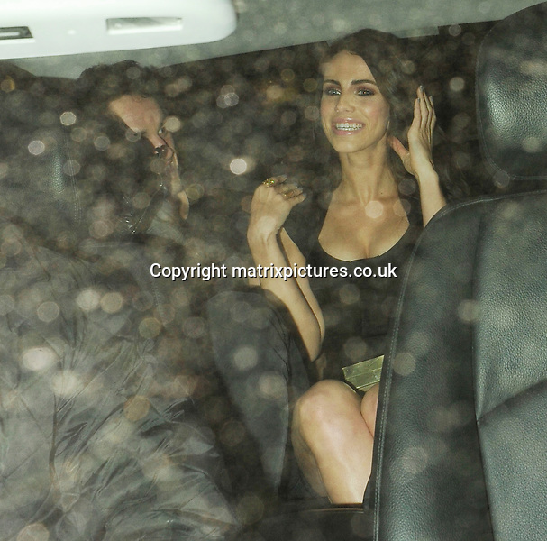 NON EXCLUSIVE PICTURE: MATRIXPICTURES.CO.UK.PLEASE CREDIT ALL USES..WORLD RIGHTS..Canadian actress Jessica Lowndes and her new boyfriend, Scottish former rugby player Thom Evans, are pictured leaving London's Roka Restaurant...MAY 22nd 2013..REF: ASI 133481